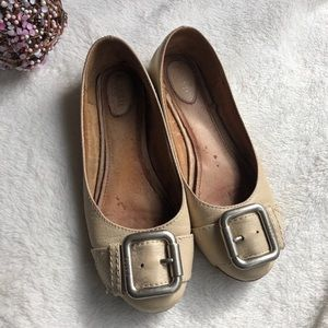 Fossil Maddox Cream Leather Buckle Flats 7